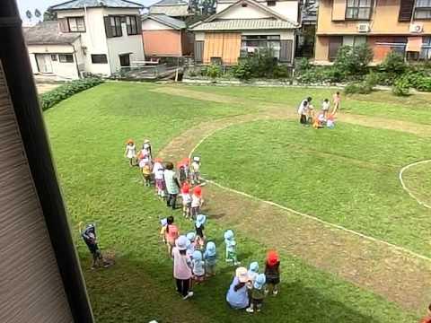 海外の競技場みたいだけど・・・畑の運動場。南島原市加津佐町 若木保育園