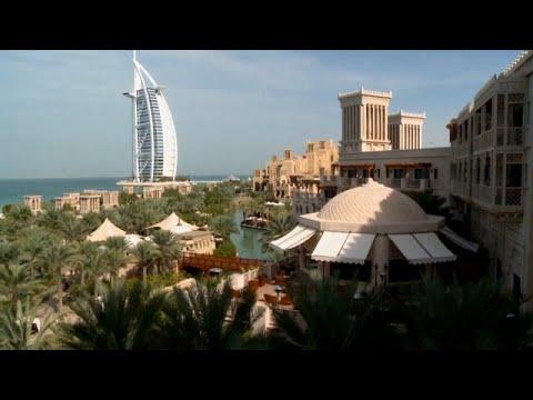 العرب اليوم - شاهد: دبي تعيش ظاهرة الاحتباس الحراري