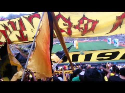 """""""☂SUR OSCURA☂♫Eres lo mas grande del Astillero♫ B.S.C vs nacional 26/10/2014"""" Barra: Sur Oscura • Club: Barcelona Sporting Club"""
