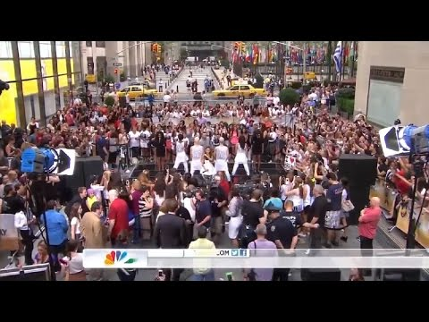 Ariana Grande ft. Mac Miller - The Way (Live on Today Show 2013)