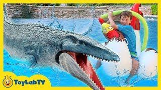 Jurassic World Fallen Kingdom Dinosaur Water Toys, Giant Mosasaurus & Fun Toy Dinosaurs Set for Kids