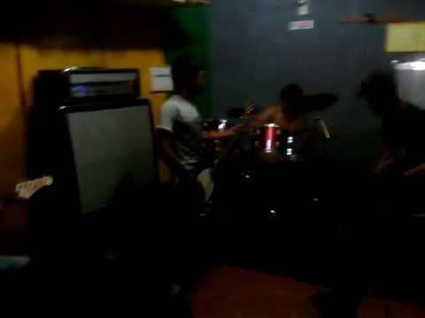 SELESMA - Thrasher (Claustrofobia Cover) 12102011.mp4