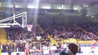 preview picture of video 'Nadirex Basket Pavia - Fortitudo Bologna 88-73 12 gennaio 2014'