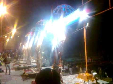 World Famous GANGA AARTI AT BANARAS - KASHI CITY