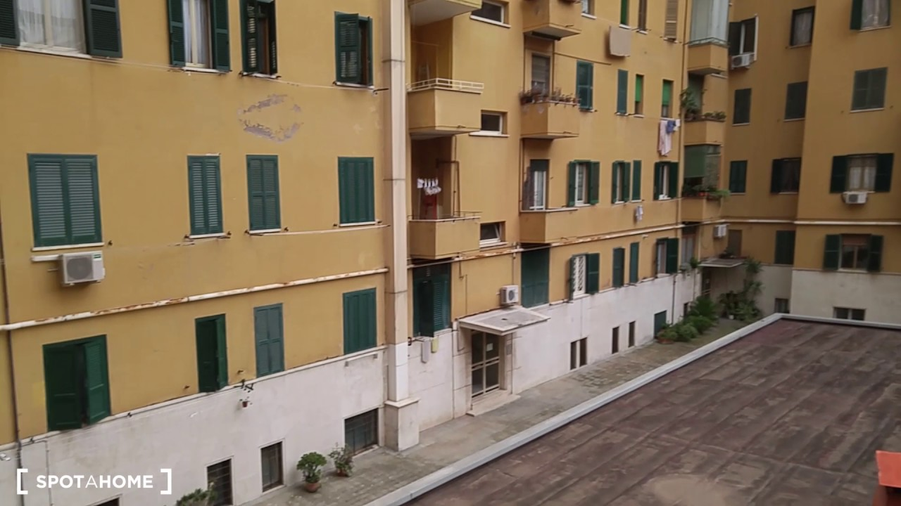 Room for rent in 2-bedroom apartment with balcony in Furio Camillo area