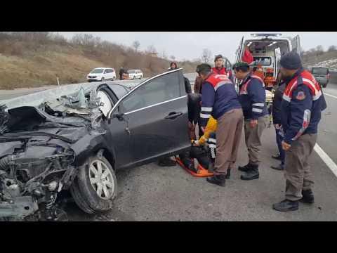 Sakarya Karasu yolu Sinanoğlu mevkiinde trafik kazası