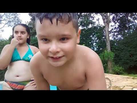 Desafio da piscina com minha prima