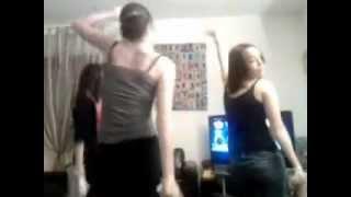 Trois Filles Qui Dansent Sur Just Dance 2 (CATASTROPHE)