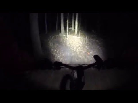 Cateye Volt1600 Mountain Bike Headlight Unboxing, Review, & Demo