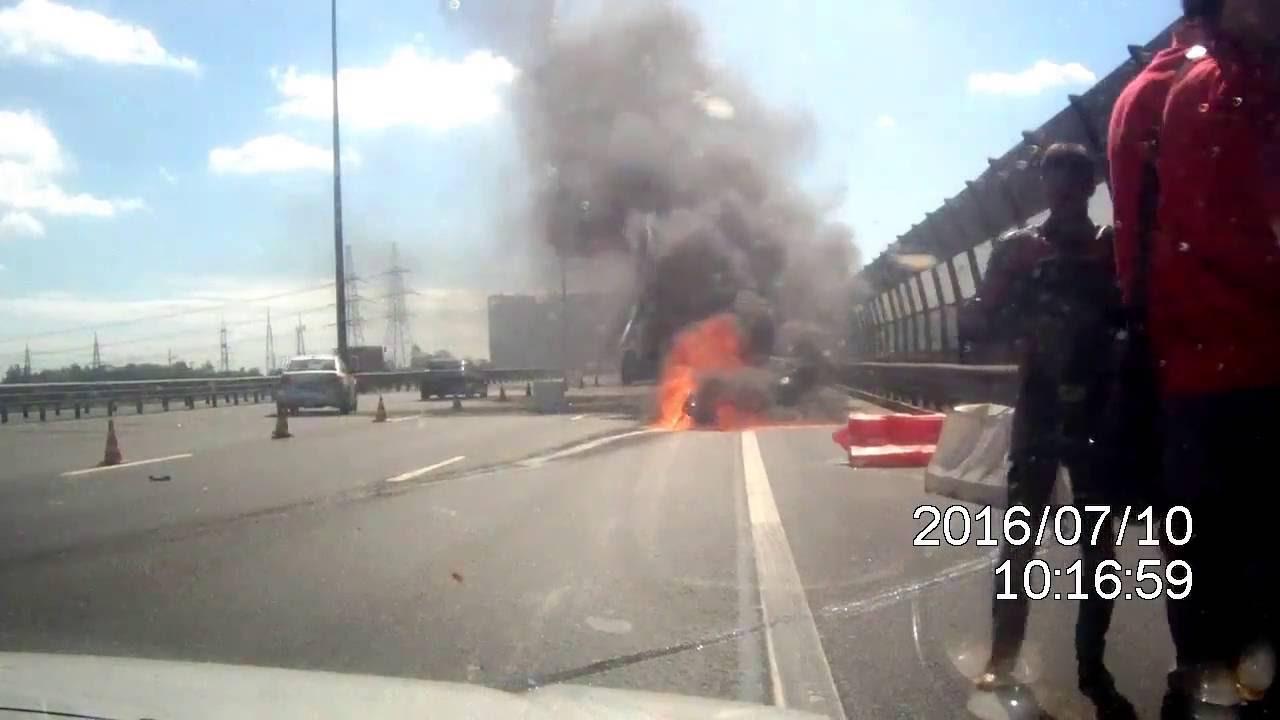 В Санкт-Петербурге сгорел мотоцикл