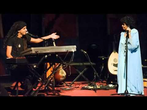 עלה נישא ברוח - שירה: שושנה דמארי  מתוך האלבום