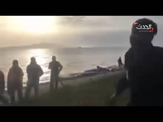 موال حزين بحنجرة لاجئ سوري على شواطئ اليونان