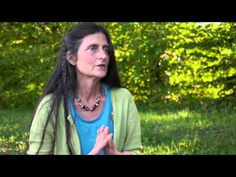 Femme cherche larbin pour vie commune