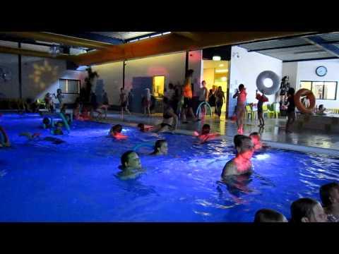 Zwemdisco in het binnenzwembad
