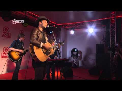 Alain Clark - 'Back In My World' (live in het Q-hotel 2014)