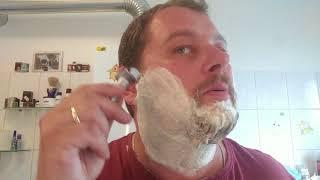 Klaus rasiert sich - Merkur Futur & Extro Miele