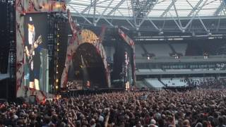ACDC & Axl Rose live in London  (hell ain't a bad place to be)