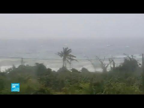 العرب اليوم - شاهد: عاصفة إسحق تضرب سواحل