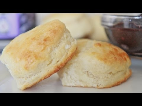 Video Fluffy Southern Buttermilk Biscuits Recipe