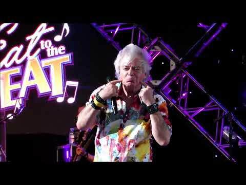 """Air Supply """"Here I Am (Just When I Thought I Was Over You)"""" @Epcot 10/08/2018"""