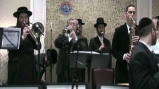 Yoel Brach Productions plays L.G. fanfare (Shaya and Perry's wedding intro)