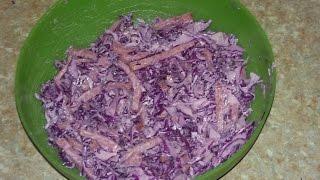 Салат из синей капусты с копченой колбасой. Салаты.