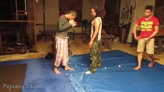 Tamara Bleszynski dan Anne J Coto - BTS Latihan Fight Coreography