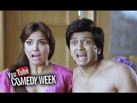Riteish and Lara Dutta in trouble - Comedy Sequence - Housefull (видео)