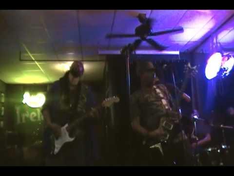 Khasha Macka live@ Desmonds Tavern performing Fallen Souljah 09/08/12