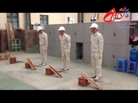Cận cảnh một bài thi tuyển mộc xây dựng của lao động Nhật Bản