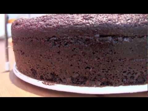Bizcocho de Chocolate Jugoso - Tarta Guinness