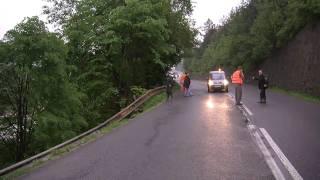 preview picture of video 'Povodeň 2010 - zosuv pôdy pri Richnave'