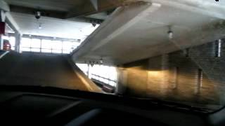Движение по многоуровневому паркингу