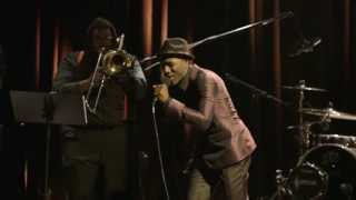 The Man performed by Aloe Blacc