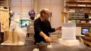 Light bubls in liquid nitrogen