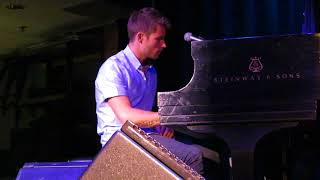 """Jon McLaughlin performs """"Anthem for American Teenagers"""" in Boston on 15th April 2017"""
