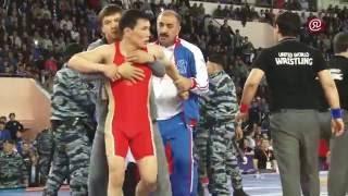 Чемпионат России по вольной борьбе-2016: Драка Лебедева и Мусукаева