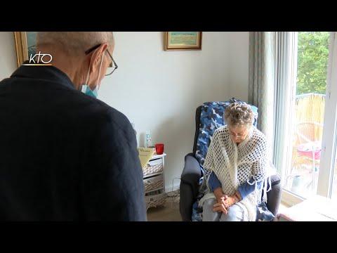 Eucharistie et famille : porter la communion à un parent malade (4/4)