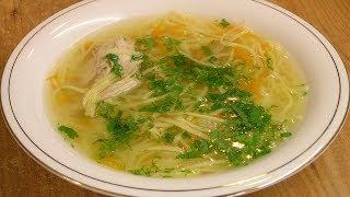 Смотреть онлайн Варим куриный суп с домашней лапшой