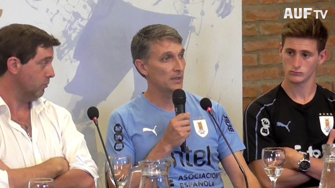 La selección sub-23 recibió el Pabellón Nacional