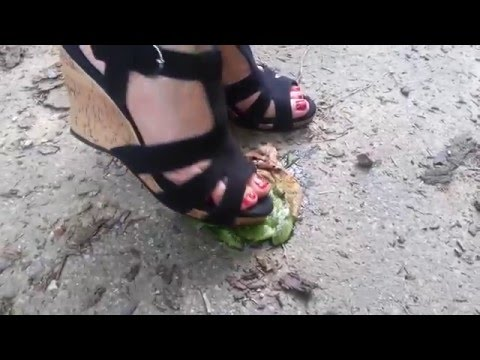 sandals crush a kiwi _ coco heel