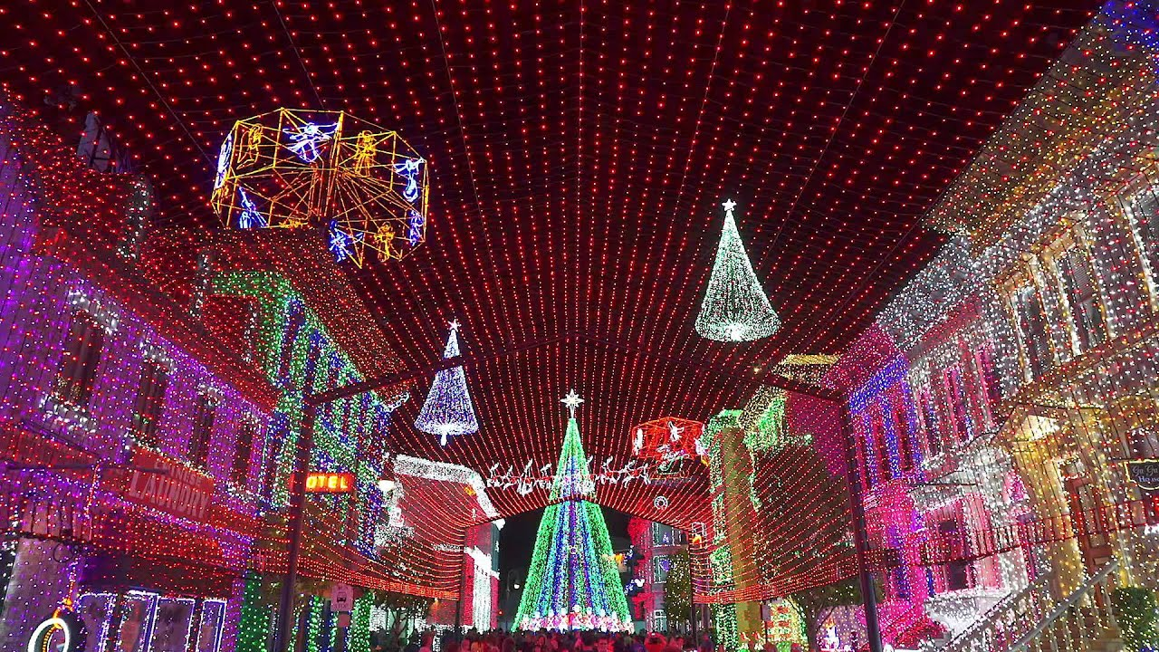 Osborne Family Spectacle of Dancing Lights - Jingle Bells