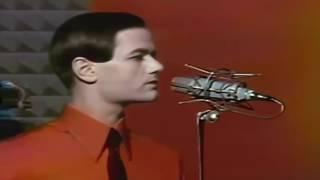 Kraftwerk - The Robots (16:9)