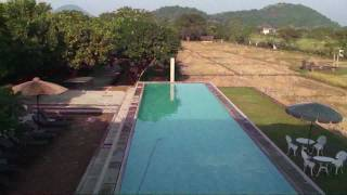 preview picture of video 'Dambulla Hotel Thilanka'