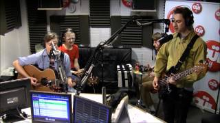 Django Django - Love's Dart - Session Acoustique OÜI FM