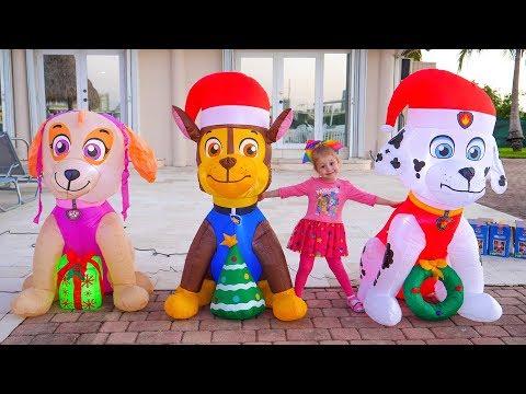 Надувні іграшки - підготовка до Новго року