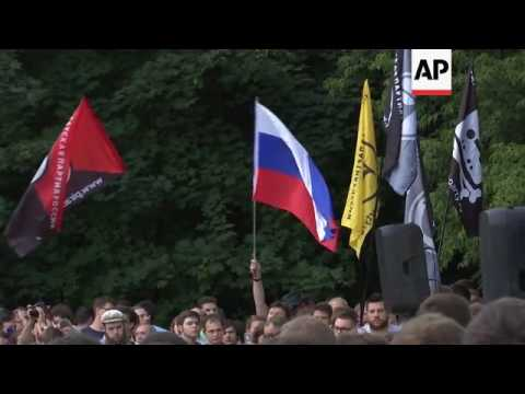 Russians protest against new surveillance laws