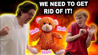THIS BEAR IS EVlL!!! (WE HAVE TO DESTROY IT)   Kholo.pk
