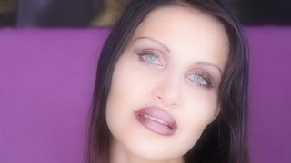 LOOK INTO MY EYES - ASMR Talking about me