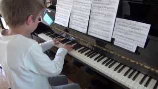 preview picture of video 'Mozart Piano Sonata No.7 in C major, KV309 / 284b by Pierugo'